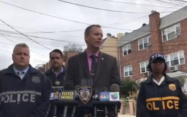 Polícia de Nova York concedeu entrevista para esclarecer ocorrências desta sexta-feira