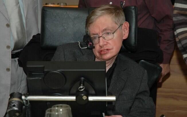 Stephen Hawking e o professor Thomas Hertog desenvolveram estudo que busca evidenciar universos paralelos e finitos