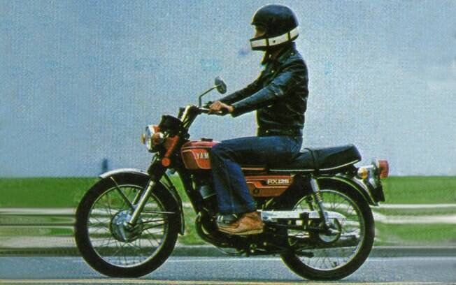 Comecei no jornalismo em 1976, pilotando as motocicletas para a revista Auto Esporte