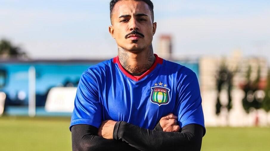 Livinho atua pela primeira vez como jogador do São Caetano