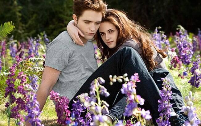 Kristen Stewart  se envolveu com o diretor Rupert Sanders na mesma época que namorava Robert Pattinson