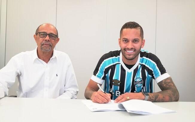 Mercado da bola: Rômulo, que estava no Flamengo, foi para o Grêmio