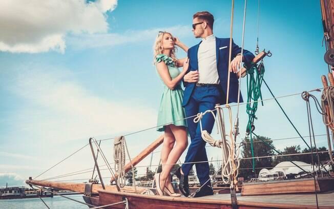 Essa dica vale principalmente em uma viagem de cruzeiro, já que é comum serem realizadas festas de gala no barco
