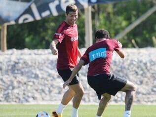 Cristiano Ronaldo treinou normalmente com o elenco do técnico Paulo Bento nesta terça-feira