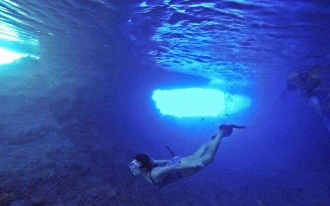 Thunderball Grotto é uma caverna aquática