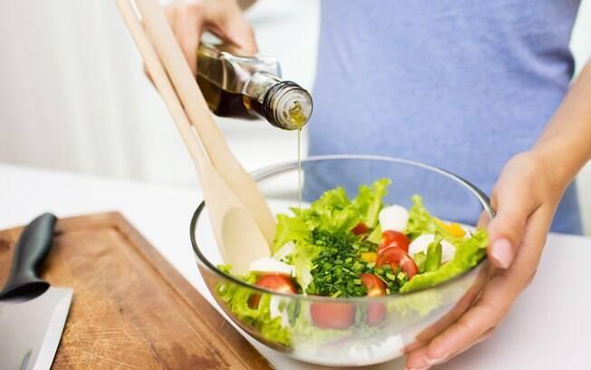 Marcas de azeite também recebem a adição de óleos de sementes oleaginosas, o que não é permitido por lei