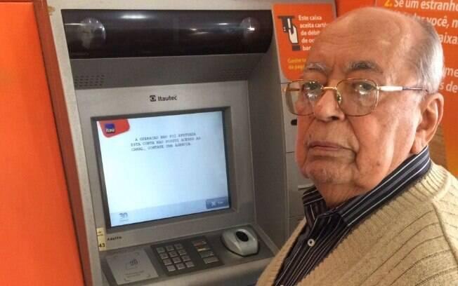 Cliente do Itaú há 43 anos, Valter Solentino da Silva teve sua conta encerrada pelo banco sem nenhum tipo de aviso