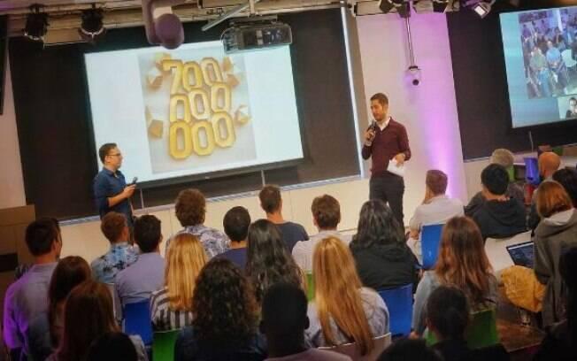 Kevin Systrom comemorar os 700 milhões de usuários do Instagram