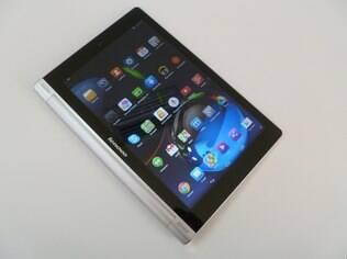 Yoga Tablet 10 tem 16 GB de armazenamento