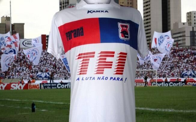 Em agosto do ano passado, o Paraná foi patrocinado pela própria torcida organizada Fúria Independente. No mínimo inusitado.