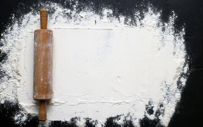 O consumo de farinha branca pode deixar as fezes mais endurecidas