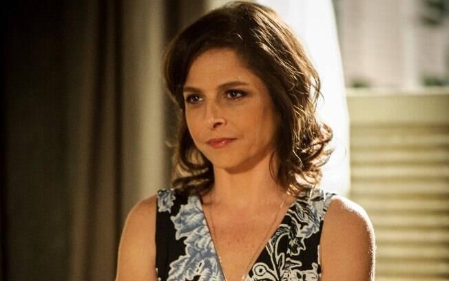 Drica Moraes como Cora em