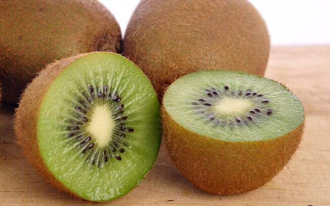 """Kiwi e tangerina têm sódio e potássio"", aponta o nutricionista"