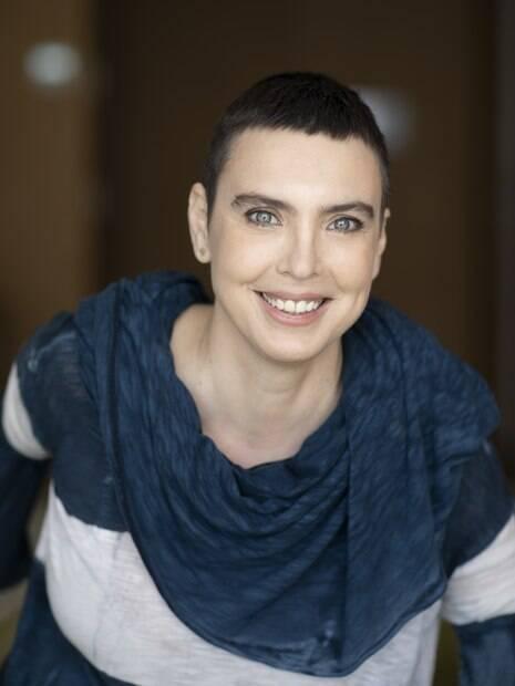 Adriana Calcanhotto revela que se sentiu privilegiada de ter feito o álbum no seu tempo