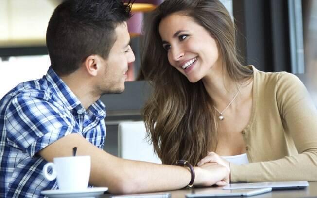 A ansiedade pode contribuir para que o encontro seja mais tenso e complicado do que deveria. O ideal é sair com o coração aberto, mesmo que o relacionamento não vá adiante