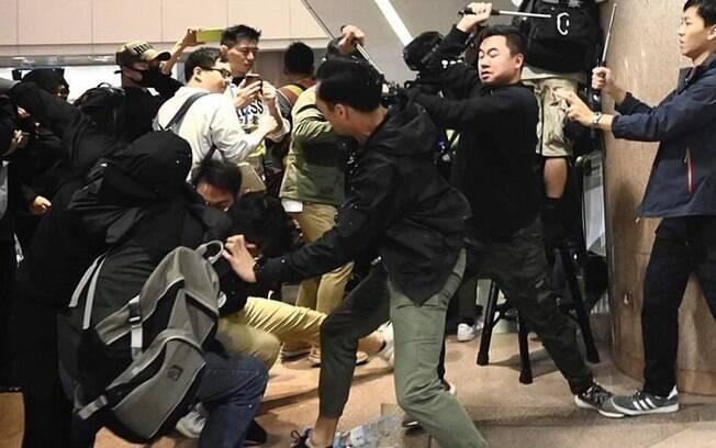 Policiais reagiram a protestos com agressões