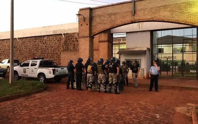 Polícia Militar do Paraguai encontrou brasileiros nas proximidades de presídio em Pedro Juan Caballero, onde houve a fuga de 91 membros do PCC