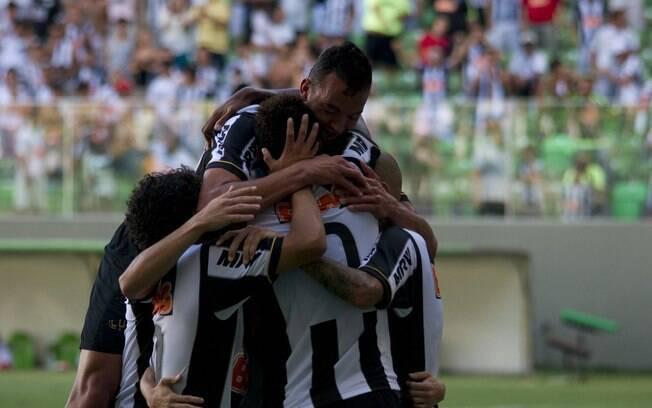 Jogadores do Atlético-MG comemoram gol contra  o Araxá no Independência.