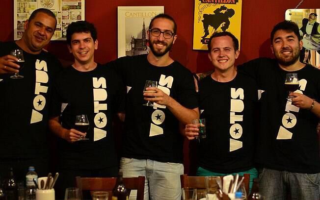 Esq. para direita: Thiago Reis Oliveira, Flávio Athayde, Alex Holanda, Gabriel Mafra e Lucas Tatani