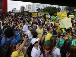 Foto: Paulo Pinto/ Fotos Públicas 06/12/2014- São Paulo- SP, Brasil- Manifestação contra o governo no vão livre  do MASP na Avenida Paulista.