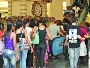 A gerente Karina de Souza: 15 contratações extras para o Natal