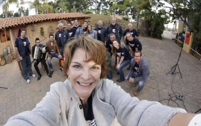 Leonor Corrêa com toda a equipe do 'Rota 35'