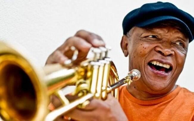 O músico Hugh Masekela faleceu dia 23 de janeiro