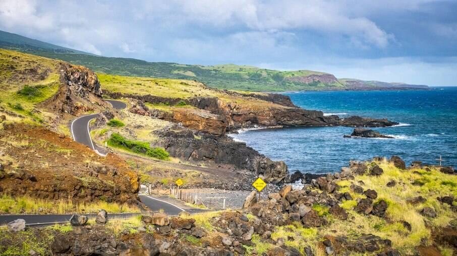 Há diversas rodovias que interligam as ilhas do Havaí