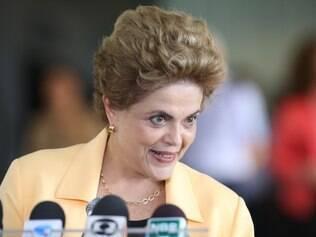 A presidente Dilma Rousseff afirmou que a redução do preço da gasolina é uma decisão que cabe a Petrobras
