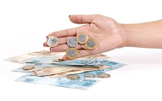 Meta fiscal estava fixada em R$ 139 bilhões para este ano e em R$ 129 bilhões para 2018, porém estimativas foram dificultadas