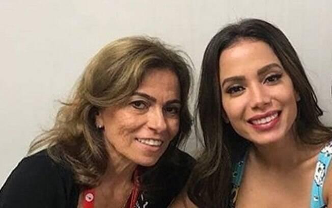 Anitta e a mãe