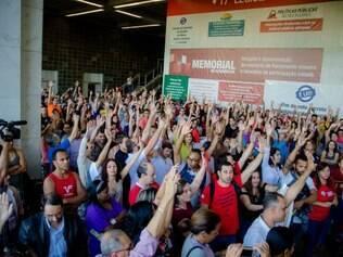 Servidores decidiram pela greve no último dia 15, durante assembleia geral