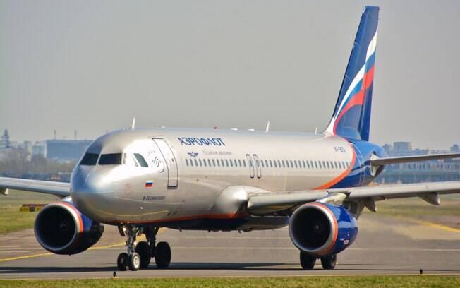 Um passageiro da Aeroflot teve um ataque de raiva ao embarcar no voo; ele agrediu os pilotos e  machucou um funcionário