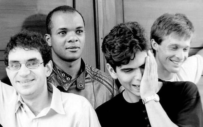 Renato (segundo à esquerda) ficou com a Legião Urbana até 1989. Foto: Divulgação
