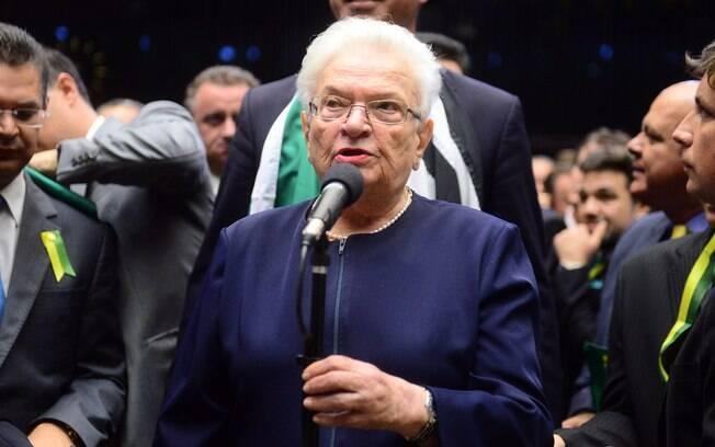 Deputada Luiza Erundina (PSOL-SP) durante sessão do impeachment. Foto: Nilson Bastian/ Câmara dos Deputados - 17.04.16