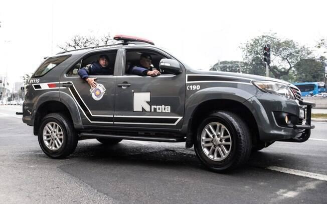 Viatura de ROTA saindo do Quartel para patrulhar. Criminosos não têm folga