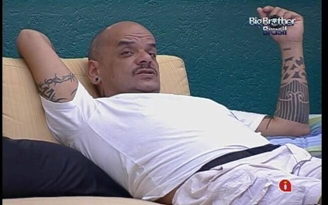 João Carvalho disputa o Paredão com Renata