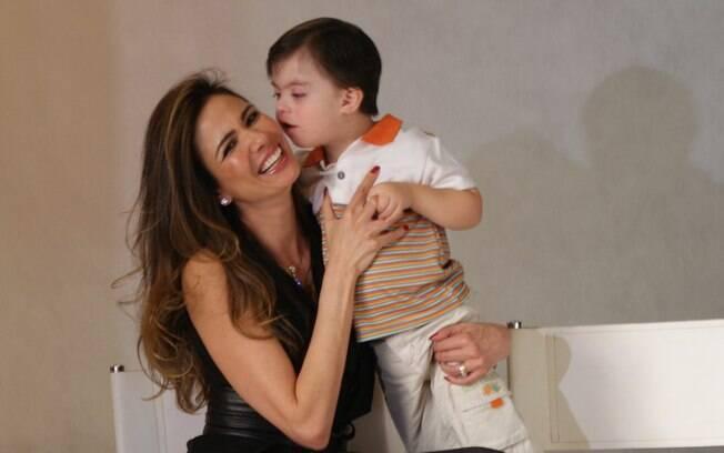 Luciana Gimenez vai mostrar os bastidores de algumas entrevistas e de campanhas que participou