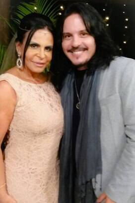Gretchen posa ao lado do músico Luciano Nassyn. Foto: Reprodução/Instagram