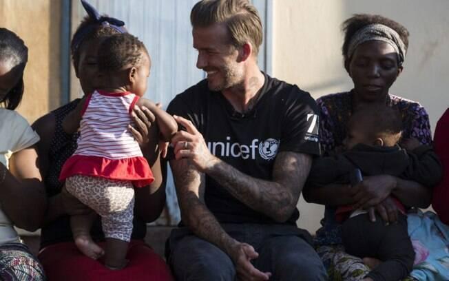 David Beckham está envolvido com programas sociais na Indonésia, Uganda, El Salvador e Nepal.