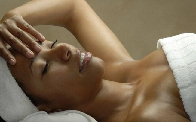 Limpeza profunda na pele, hidratação nos cabelos, pés lisinhos e macios. Aproveite o feriado para colocar a beleza em dia
