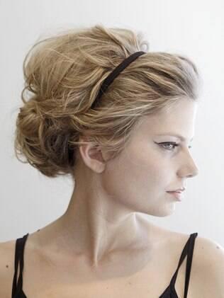 Cabelos retrô estão em alta: aprenda a fazer este penteado estilo Brigitte Bardot