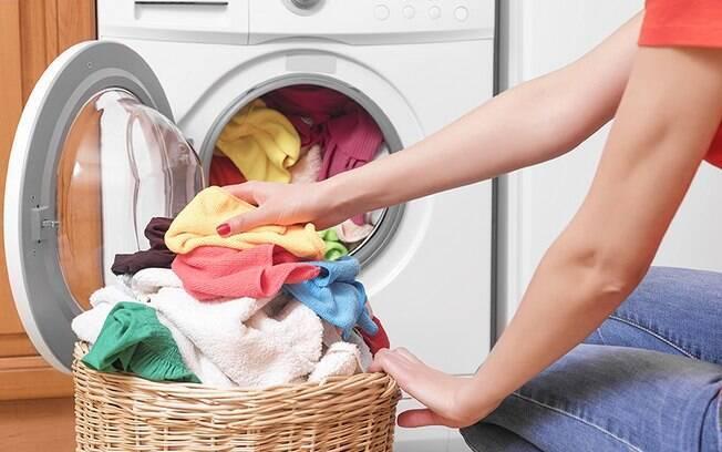 Como lavar roupa: 7 dicas práticas que facilitarão a sua rotina