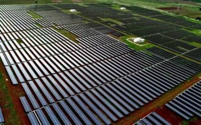 Adani Green Energy adquire o portfólio de 5 GW de energia renovável da SB Energy da Índia por um valor empresarial de US$ 3,5 bilhões - a maior transação de fusões e aquisições no segmento de energia renovável da Índia