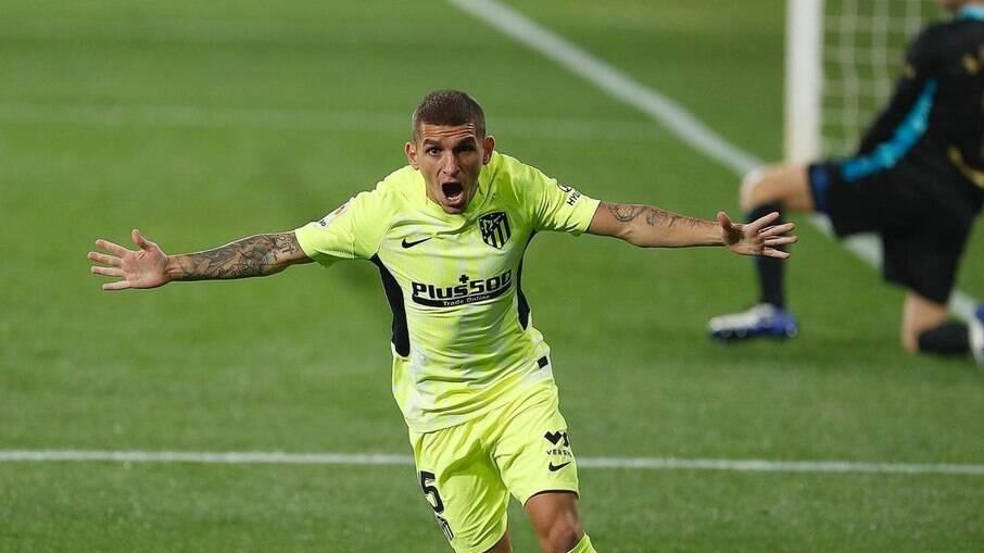 Pai de Lucas Torreira disse que recebeu ligações de clubes brasileiros