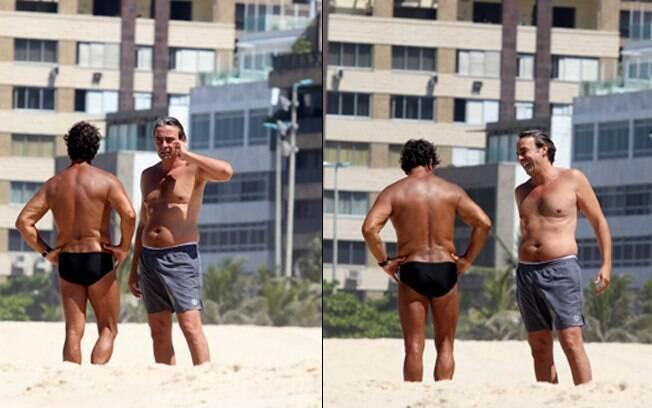 O ator aproveitou o sol em Ipanema, no Rio