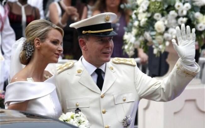 O casamento entre Albert II, Príncipe de Mônaco e a sul-africana Charlene Wittstock aconteceu nos dias 01 e 2 de julho de 2011