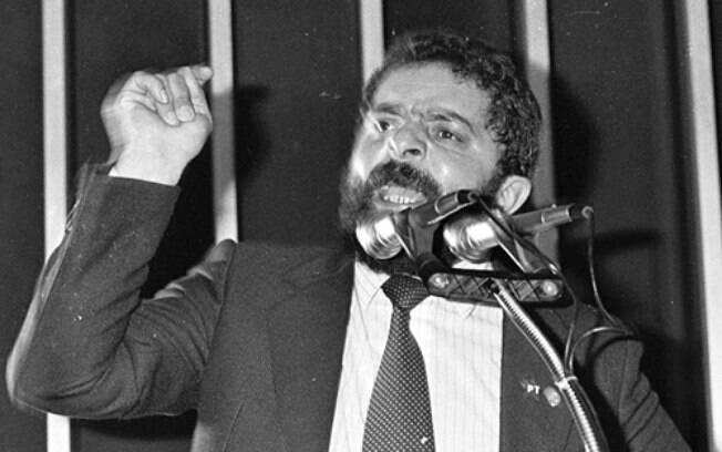 Lula atuou como deputado federal na Assembleia Constituinte e ocupou o gabinete 825