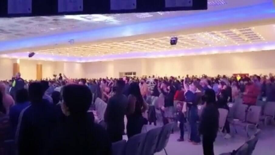 O culto contava com 1200 pessoas, segundo Malafaia