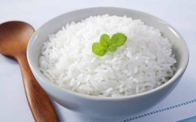 Como fazer arroz soltinho: truques valiosos para não errar